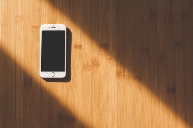 Co zrobić ze starymi telefonami, by dać im drugie życie?