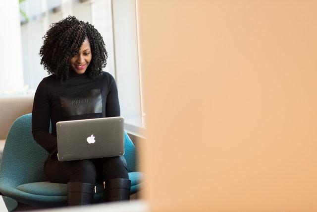 Czym powinien charakteryzować się laptop dla studenta?